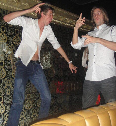 peter-crouch-clubbing