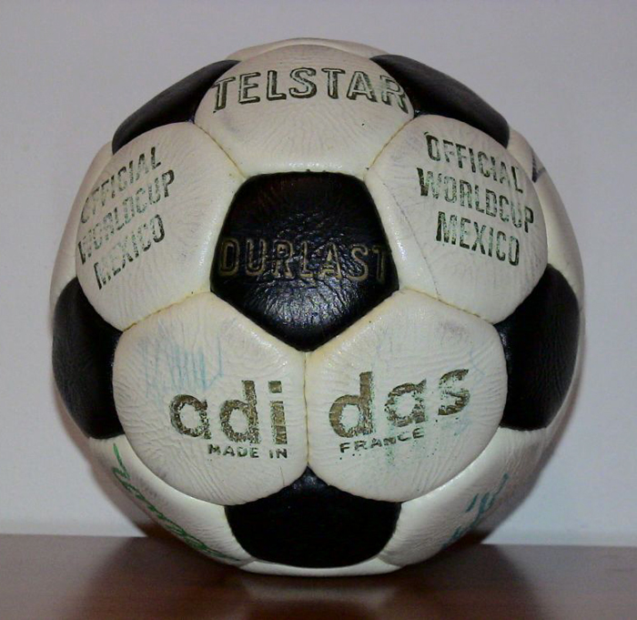 adidas-telstar-durlast-official-fifa-world-cup-matchball-1970-made-in-france-tiziano-1381360789