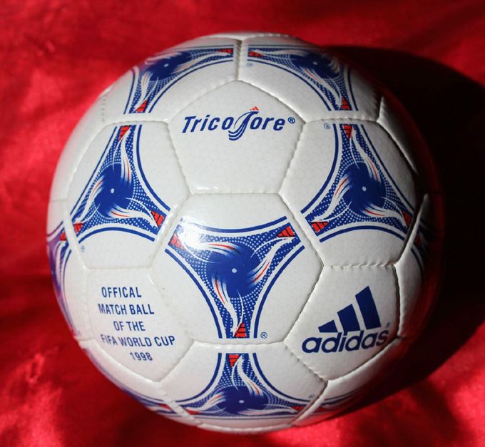 made-in-pakistan-adidas-tricolore-1998-fifa-world-cup-match-ball-soccer-football-1381842319